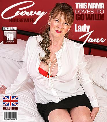 1_Mature.nl_presents_Lady_Jane__EU___64__in_British_housewife_lady_Jane_fingering_herself_-_30.03.2018.jpg