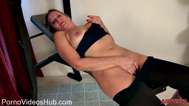 Allover30_presents_Mary_Wana_50_years_old_9_to_5_Ladies_-_17.03.2018.mp4.00006.jpg