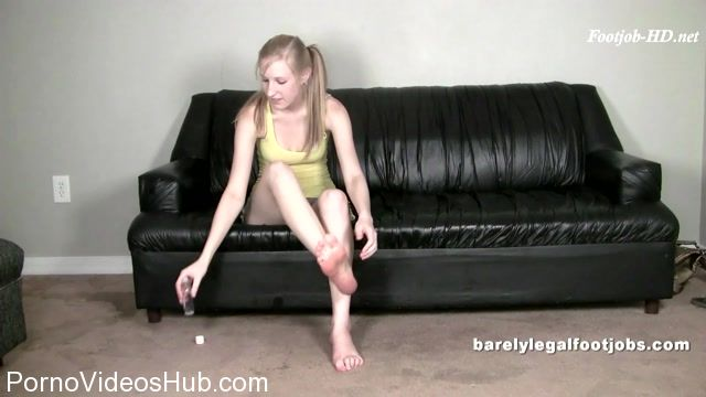 Barely_Legal_Foot_Jobs_presents_Ava_Love_Full_Scene.mp4.00004.jpg