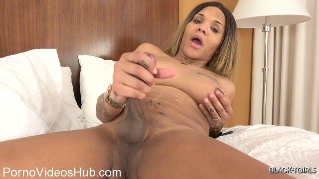 Watch Online Porn – Black-tgirls presents Ms. Dimond Dyack Cums! – 26.03.2018 (MP4, HD, 1280×720)
