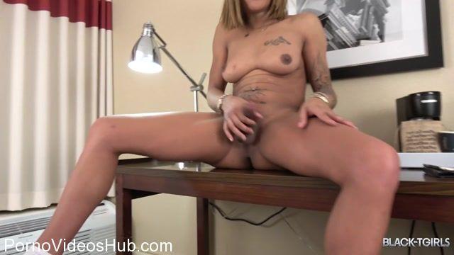Watch Online Porn – Black-tgirls presents Ms. Dimond Dyack Returns! – 05.03.2018 (MP4, HD, 1280×720)