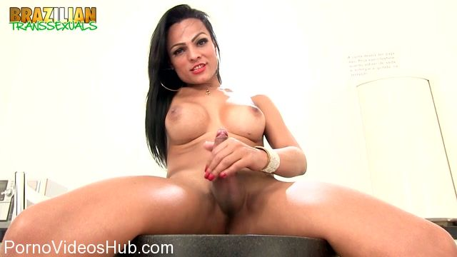 Watch Online Porn – Brazilian-transsexuals presents Viviane Carvalho Is On Fire Remastered (MP4, HD, 1280×720)