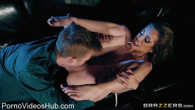 Brazzers_-_BrazzersExxtra_presents_Kimmy_Granger_in_Happy_Hour_-_03.03.2018.mp4.00012.jpg