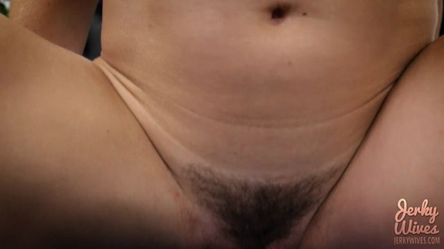 Clips4Sale_-_Jerky_Wives_presents_Cory_Chase_in_Happy_Birthday_Son.mp4.00007.jpg