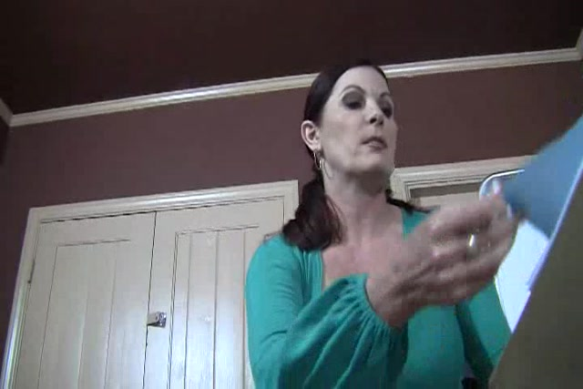 Clips4Sale_-_TheVenusGirls_presents_Magdalene_St._Michaels_in_Mommies_ATM.flv.00011.jpg