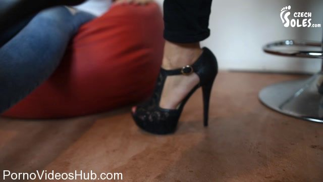 Watch Online Porn – Czech Soles presents Beaten by two hookers humiliated and stomped (MP4, FullHD, 1920×1080)