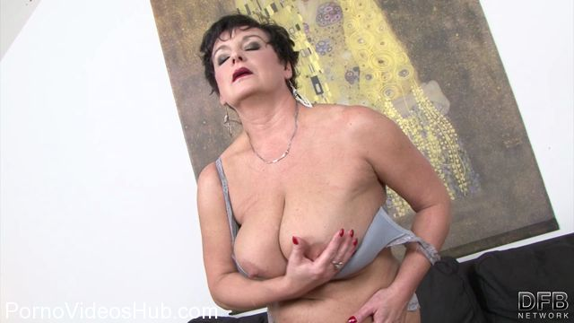 Watch Online Porn – DFBnetwork presents Jessica Hot – Granny Loves Black (MP4, FullHD, 1920×1080)