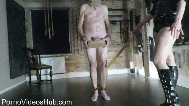 DanishFemdom_presents_Mistress_No.1_in_Slave_and_Nail_Dressage.mp4.00008.jpg