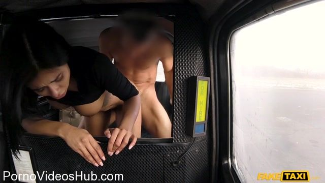 Watch Online Porn – FakeHub – FakeTaxi presents Canela Skin in Bubble butt Latina Bouncy Fuck – 21.03.2018 (MP4, SD, 854×480)