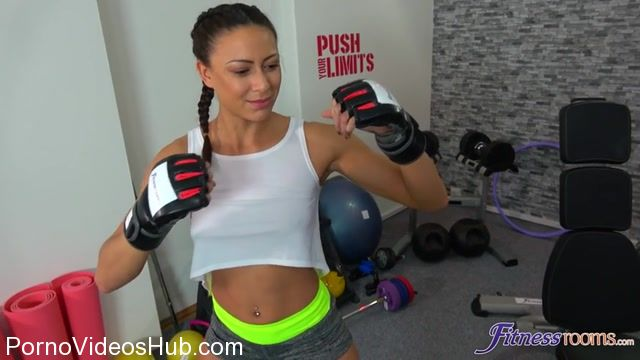 FitnessRooms_presents_Cassie_Del_Isla_in_French_trainers_intense_sex_workout_-_26.03.2018.mp4.00002.jpg