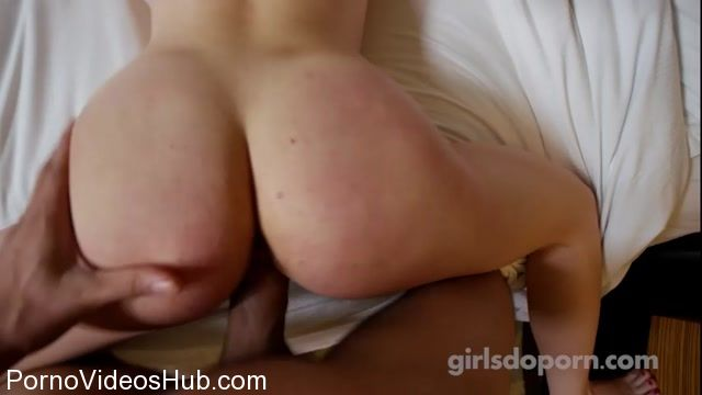 GirlsDoPorn_presents_19_Years_Old_E461_-_03.03.2018.mp4.00013.jpg