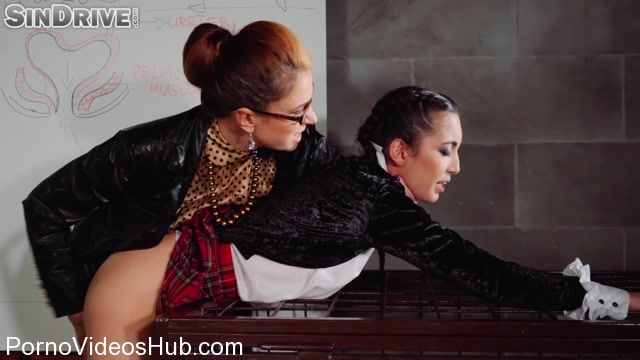 Watch Online Porn – Goldenshowerpower presents The Bladder Lesson: Very Hands On Lesbo Piss Training! – 26.03.2018 (MP4, FullHD, 1920×1080)