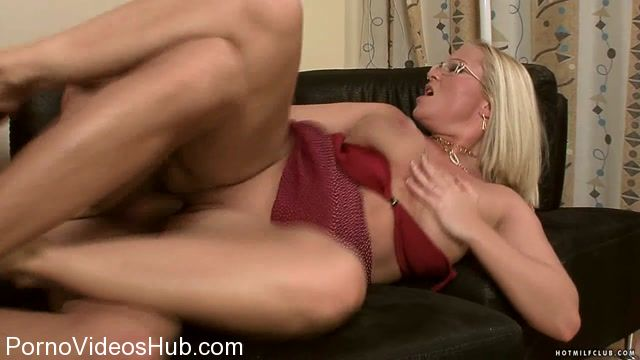 HotMilfClub_presents_Barbara_Voice_-_Hot_MILF_Barbara.mp4.00013.jpg