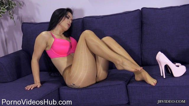 Jbvideo_presents_Katrina_Jades_Pantyhose_Tease_2.mp4.00007.jpg