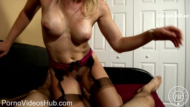 Watch Online Porn – Jerky Wives presents Cory Chase in Making Up with Mom (MP4, HD, 1280×720)