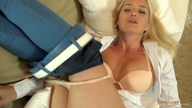 KathiaNobiliGirls_presents_Kathia_Nobili_in_You_cross_the_line_son.mp4.00007.jpg