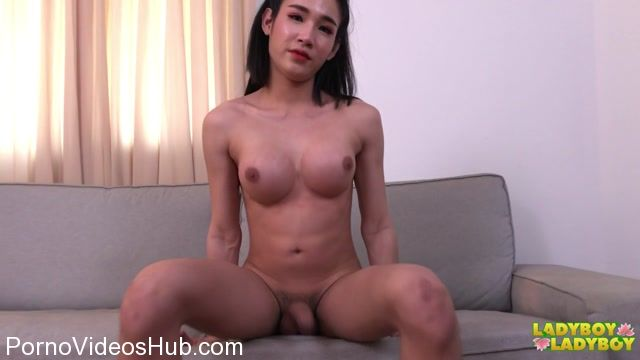 Ladyboy-ladyboy_presents_Dazzling_Alice_In_Playful_Mood__-_29.03.2018.mp4.00005.jpg