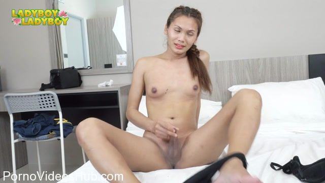 Ladyboy-ladyboy_presents_Pretty_Jele_Returns__-_28.03.2018.mp4.00002.jpg
