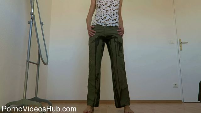 Watch Free Porno Online – ManyVids presents Mylene in CUSTOM: Cotton pants wetting, fisting (MP4, FullHD, 1920×1080)