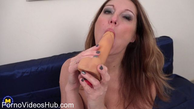 Watch Online Porn – Mature.nl presents Arty (39) in naughty housewife Arty playing with herself – 20.03.2018 (MP4, FullHD, 1920×1080)