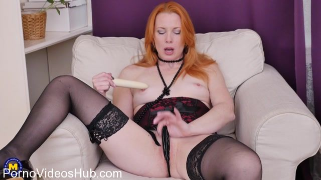 Mature.nl_presents_Michelle_Russo__37__in_hot_mom_Michelle_Russo_playing_with_her_toys_-_05.03.2018.mp4.00007.jpg