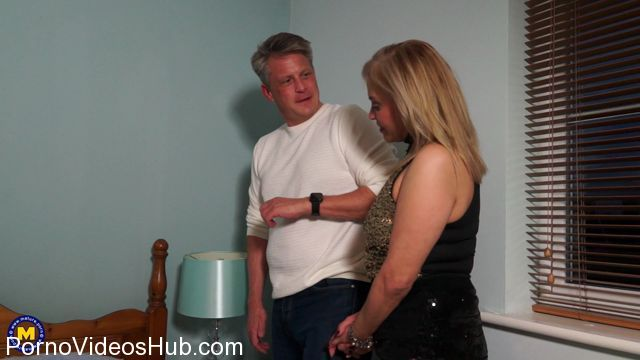 Mature.nl_presents_Ruby_Stone__49__in_British_housewife_Ruby_loves_fucking_and_sucking_-_20.03.2018.mp4.00000.jpg