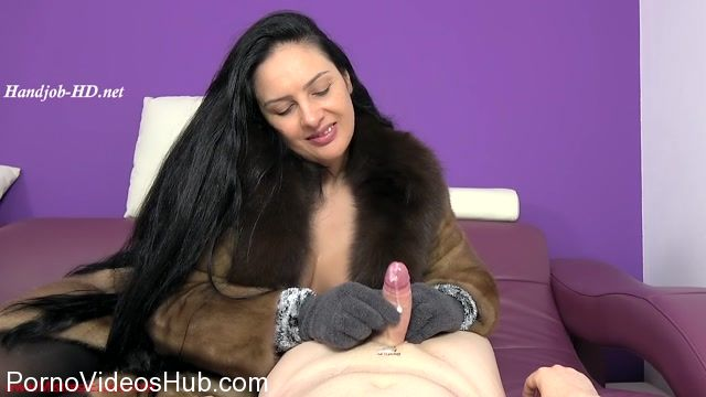 Mistress_Ezada_Sinn_in_Fluffy_gloves_for_ruined_orgasms.mp4.00011.jpg