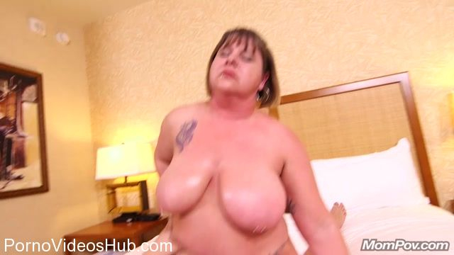 Mompov_presents_Lori_in_All_natural_thick_MILF_-_22.03.2018.mp4.00008.jpg
