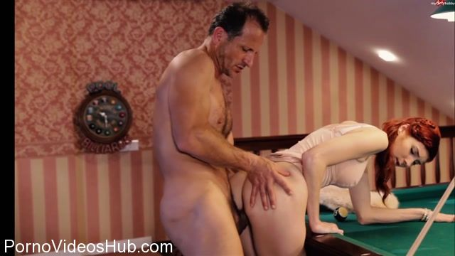 Mydirtyhobby_presents_PiaRed_-_Eingelocht_-_Fick_beim_Billard.mp4.00011.jpg