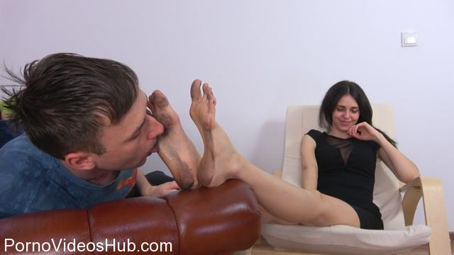 Watch Online Porn – Polish Mistress – Ksenia Give Him A Lesson For Not Cleaning A Balcony (MP4, FullHD, 1920×1080)