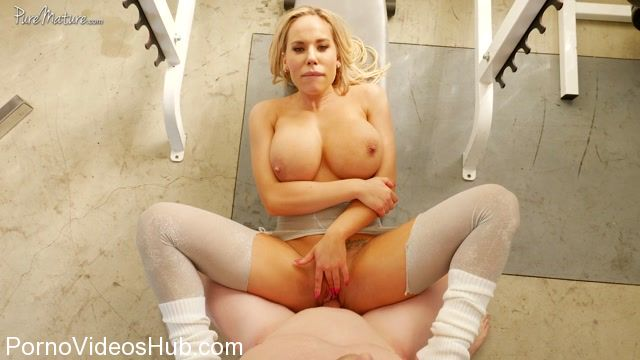 PureMature_presents_Olivia_Austin_in_Insta-MILF_-_31.03.2018.mp4.00010.jpg