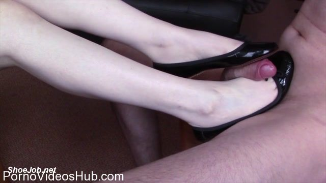 Shiny_Shoejobs_presents_Ballet_Flat_Cum_Lick.mp4.00007.jpg