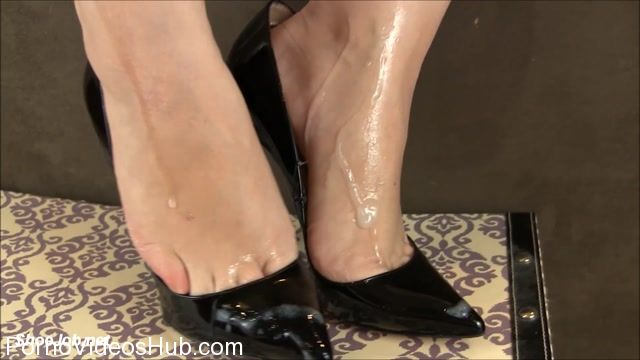 Shiny_Shoejobs_presents_Cum_Covered_Pigalles_Latex_Handjob.mp4.00013.jpg