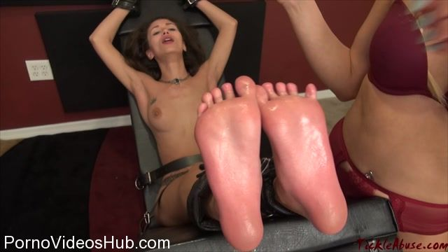 TickleAbuse_presents_Ari_Topless_Soles_Up.mp4.00015.jpg