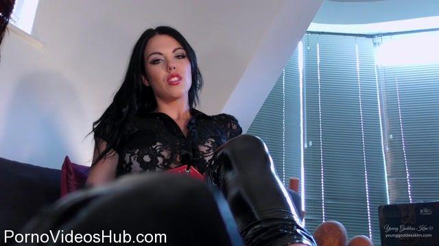 Watch Online Porn – Young Goddess Kim in Footstool Reward (MP4, FullHD, 1920×1080)