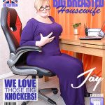 Mature.nl presents Jay (EU) (54) in British big breasted housewife Jay playing with herself – 05.04.2018