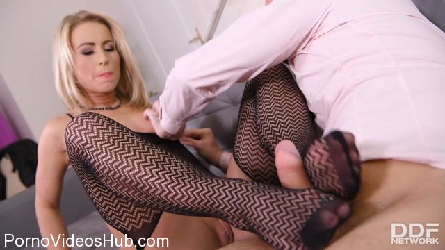 Watch Online Porn – DDFNetwork – HotLegsAndFeet presents Licky Lex in Cum All Over Sexy Feet – 03.04.2018 (MP4, SD, 960×540)