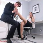 DDFNetwork – HotLegsAndFeet presents Naomi Bennet in Office Hours Cum Galore – 24.04.2018