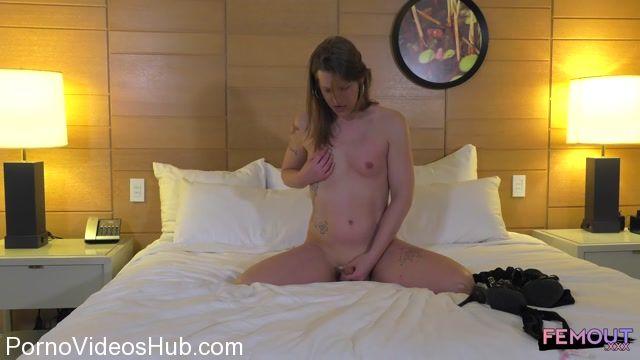 Watch Online Porn – Femout.xxx presents Meet Sexy Ryley! – 10.04.2018 (MP4, HD, 1280×720)