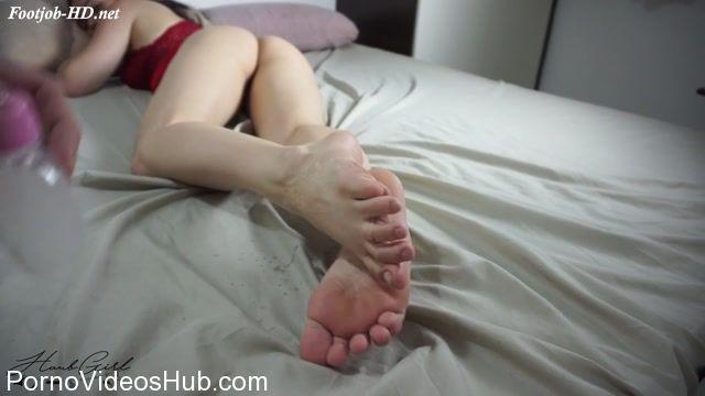 Watch Online Porn – FootJob & SoleJob presents Haubgirl in Cum on Toes POV (MP4, FullHD, 1920×1080)