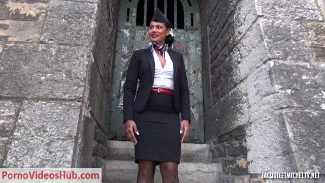 Watch Online Porn – JacquieEtMichelTV presents Clelie, 41ans, hotesse de lair lyonnaise – 24.04.2018 (MP4, FullHD, 1920×1080)