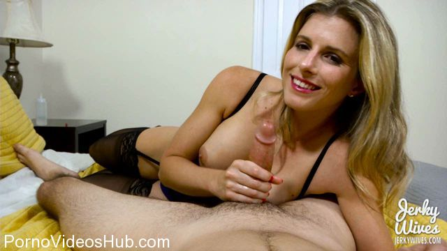 Watch Online Porn – JerkyWives presents Cory Chase in Dont Leave us Daddy (WMV, HD, 1280×720)