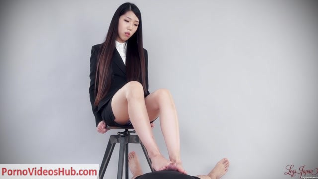 LegsJapan_presents_Rio_Kamimoto_in_Office_Girl_Footjob.mp4.00003.jpg