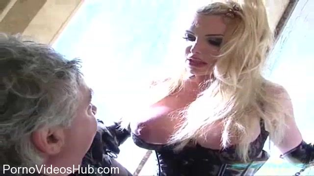 Watch Online Porn – Meanworld Classic presents Taylor Wane 2008 (MP4, SD, 720×404)