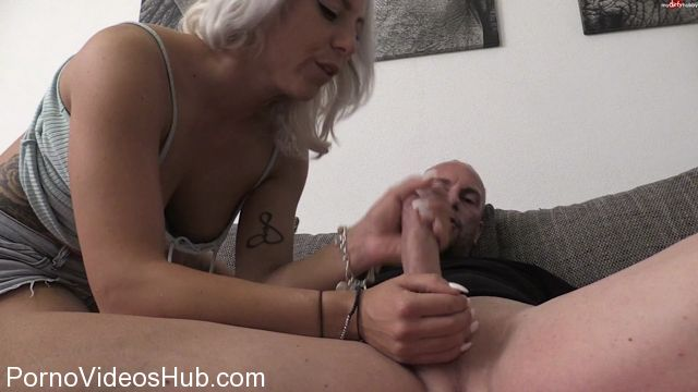 Watch Online Porn – MyDirtyHobby presents LilliVanilli – Heftiger User-Fick mit Herkules – Heavy User fuck with Hercules (MP4, FullHD, 1920×1080)