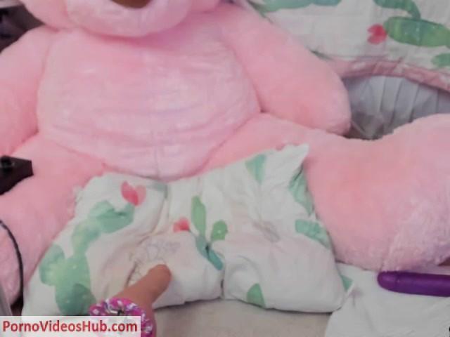 MyFreeCams_Webcams_Video_presents_Girl_Tweetney_in_pink_bear_anal.mp4.00005.jpg
