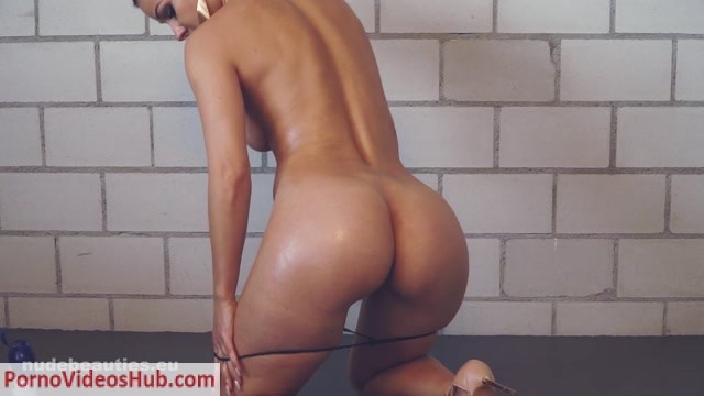 Watch Online Porn – NudeBeauties presents Melissa – Kristina Uhrinova in Oily Girl – 1080 (MP4, FullHD, 1920×1080)