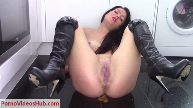 ScatShop_presents_Evamarie88_in_Sniff_My_Shit.mp4.00009.jpg