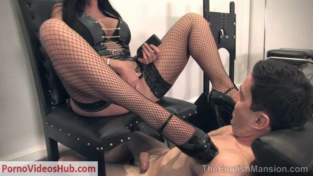 TheEnglishMansion_presents_Mistress_Pandora_in_Motorised_Smother_Chair.wmv.00000.jpg