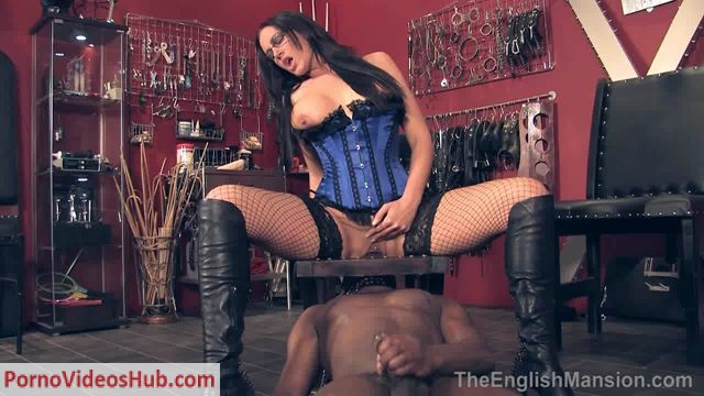 TheEnglishMansion_presents_Mistress_Pandora_in_Queening_My_Tongue_Boy.wmv.00013.jpg